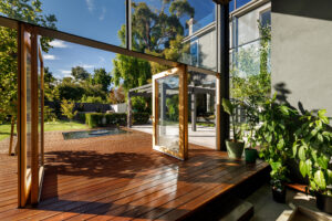 jaws-architects-minallo-residence-indoor-outdoor-deck